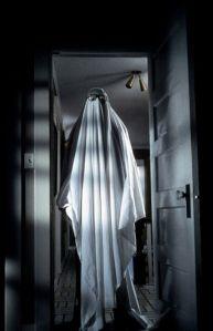 46de0595a3c2aa28bd797a6e44a397b4-halloween-movies-halloween-ghosts