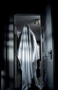 46de0595a3c2aa28bd797a6e44a397b4-halloween-movies-halloween-ghosts